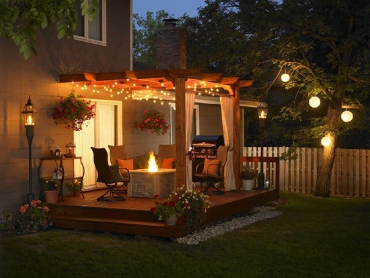 best outdoor lighting using christmas lights | outdoor patio lighting | Terrassenbeleuchtung